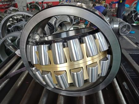 Self - aligning roller bearing 3