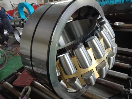 Self - aligning roller bearing 4