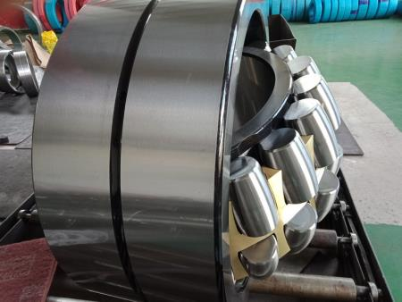 Self - aligning roller bearing 5